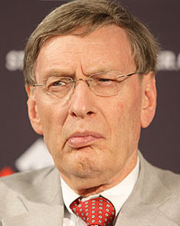 SELIG CRITICIZED OVER STEROIDS ISSUE