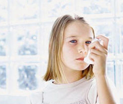 High doses of steroids can lead to improvement in asthmatic children