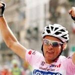 Armstrong Calls Di Luca 'Stupid' For Positive Test